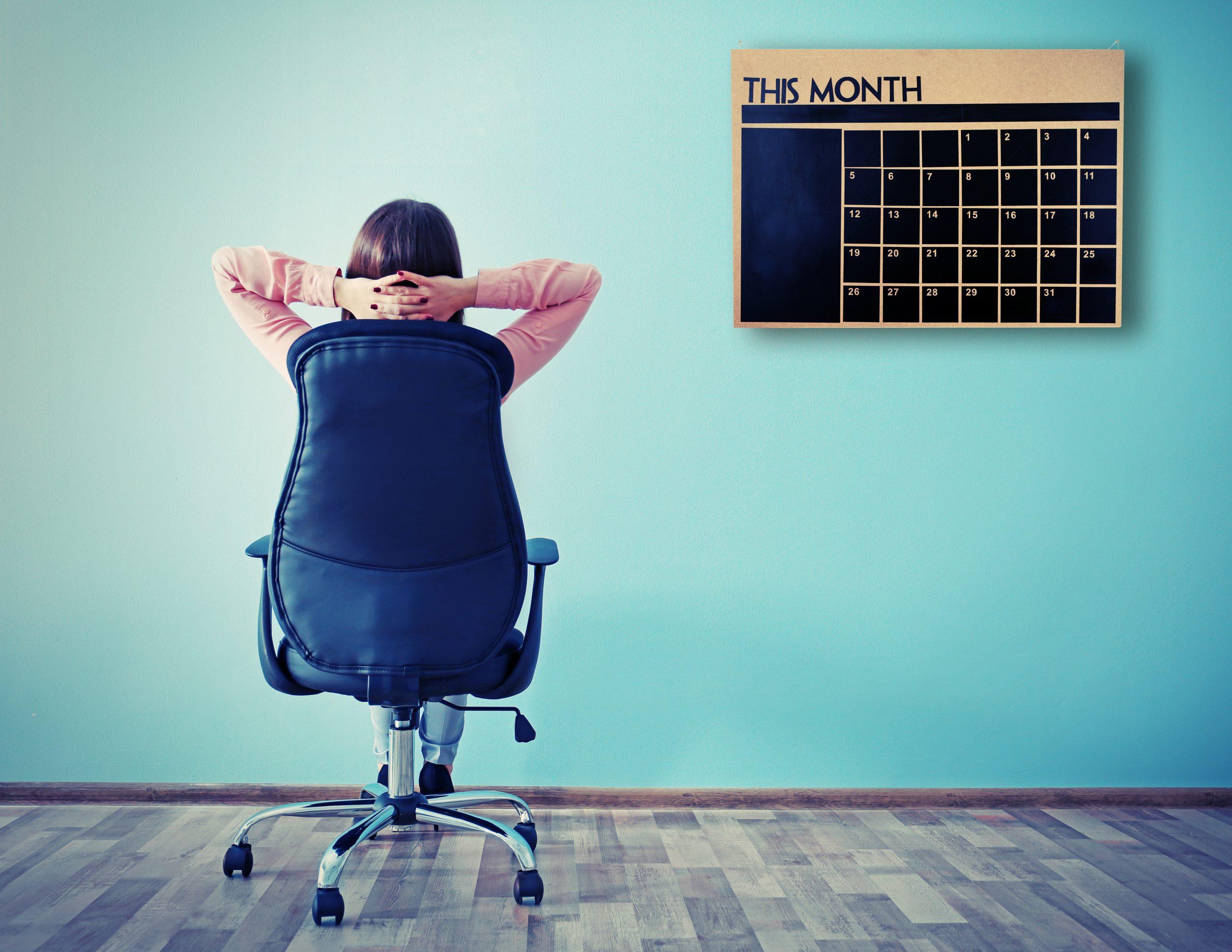 De voordelen van een hoge bureaustoel